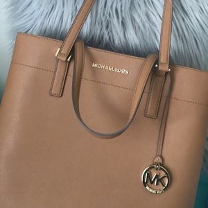 Michale kors purse